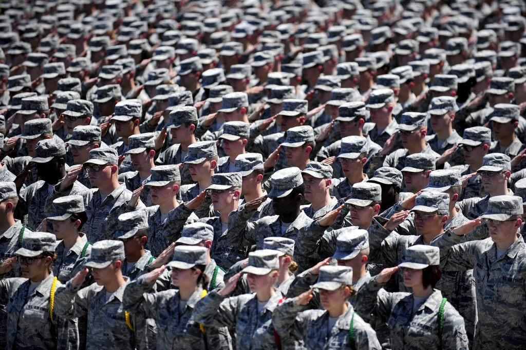 military-652355_1280